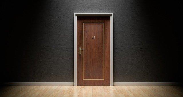 dveře číslo 13