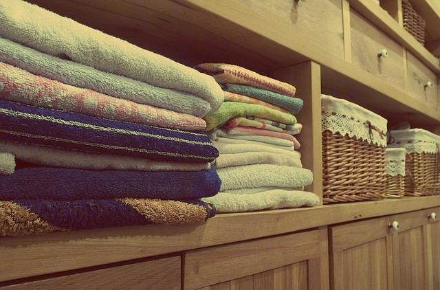 ručníky ve skříňce