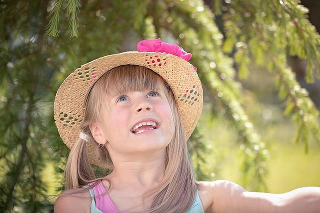 veselá holčička