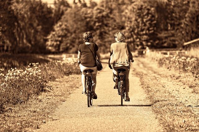 cyklistky vedle sebe.jpg